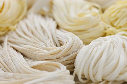 まだまだ珍しい、生の米粉麺を製造